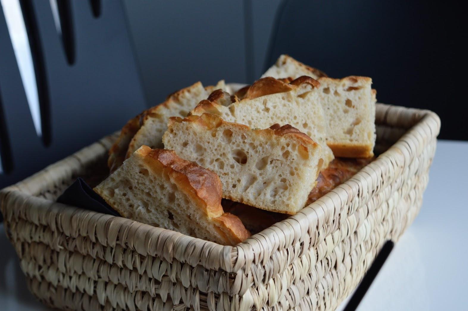 Focacciabrød med maldonsalt og rosmarin