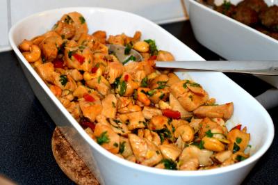 Kyllingsalat med cashewnøtter