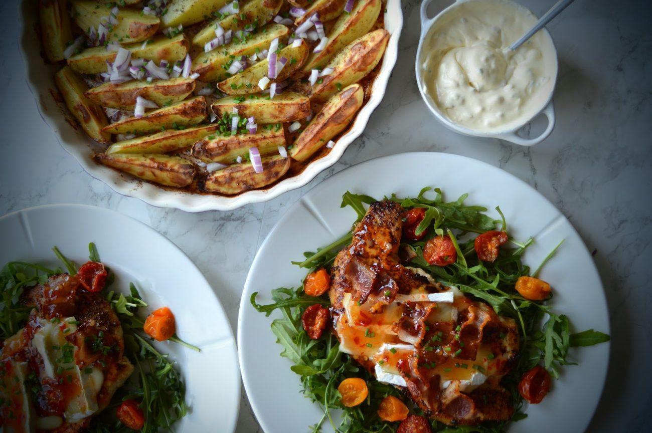 Kyllingfilet med brie og sweet-chilisaus
